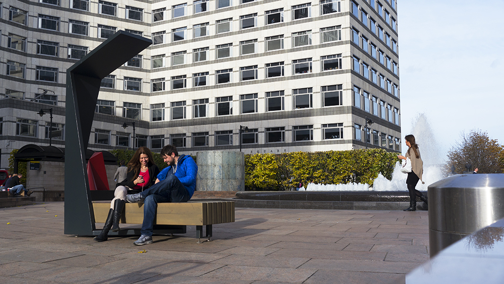 smart-bench-in-cabot-square